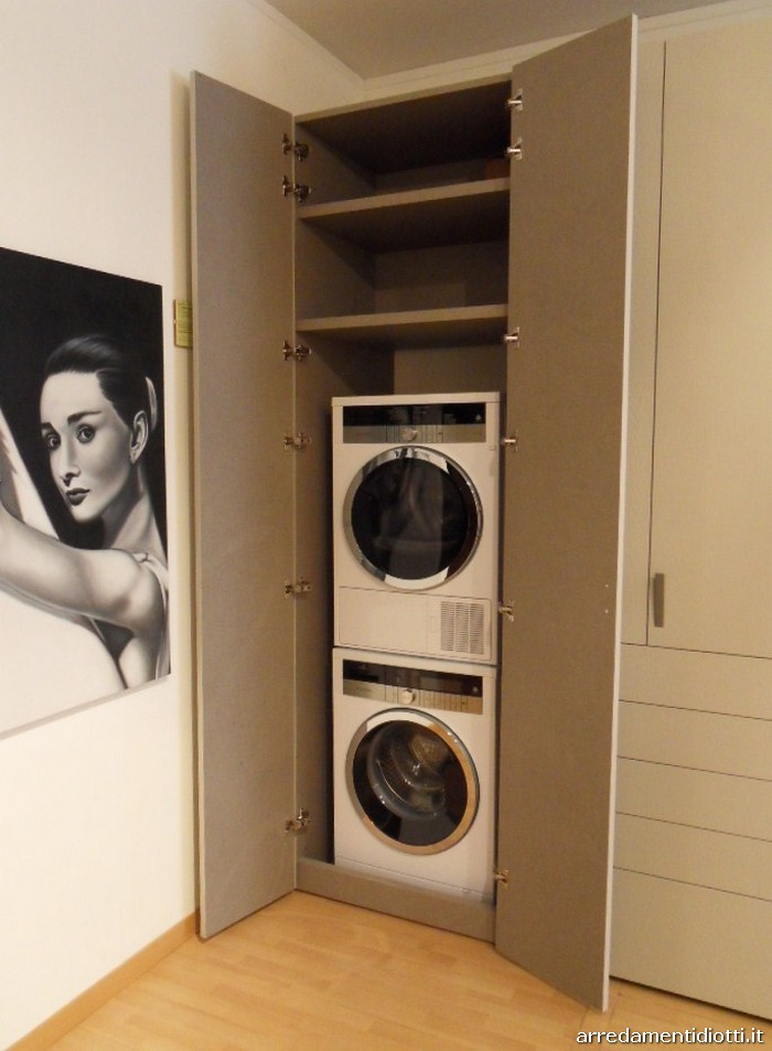 L 39 armadio che si trasforma in zona lavanderia stireria e for Armadio lavanderia
