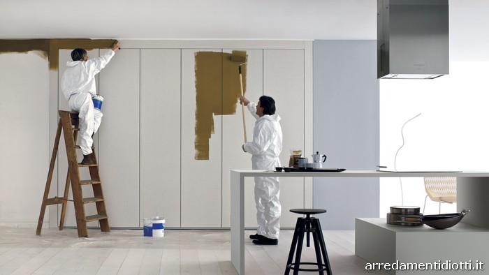 Carta da parati per cabina armadio decorare la tua casa for Carta da parati per rivestire armadio