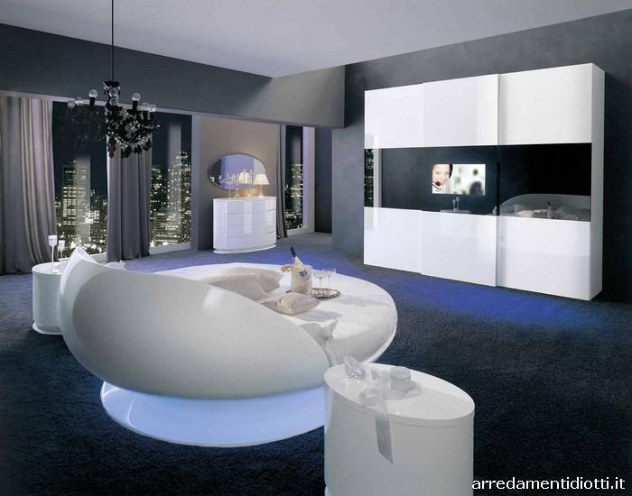 Armadio spazio scorrevole e tv integrata diotti a f for Mobilya arredamenti