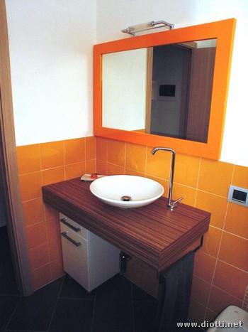 Mobili bagno moderni diotti a f arredamenti for Mobili bagno particolari