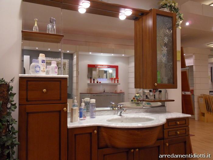 Mobile bagno classico in legno country diotti a f for Vega arredamenti
