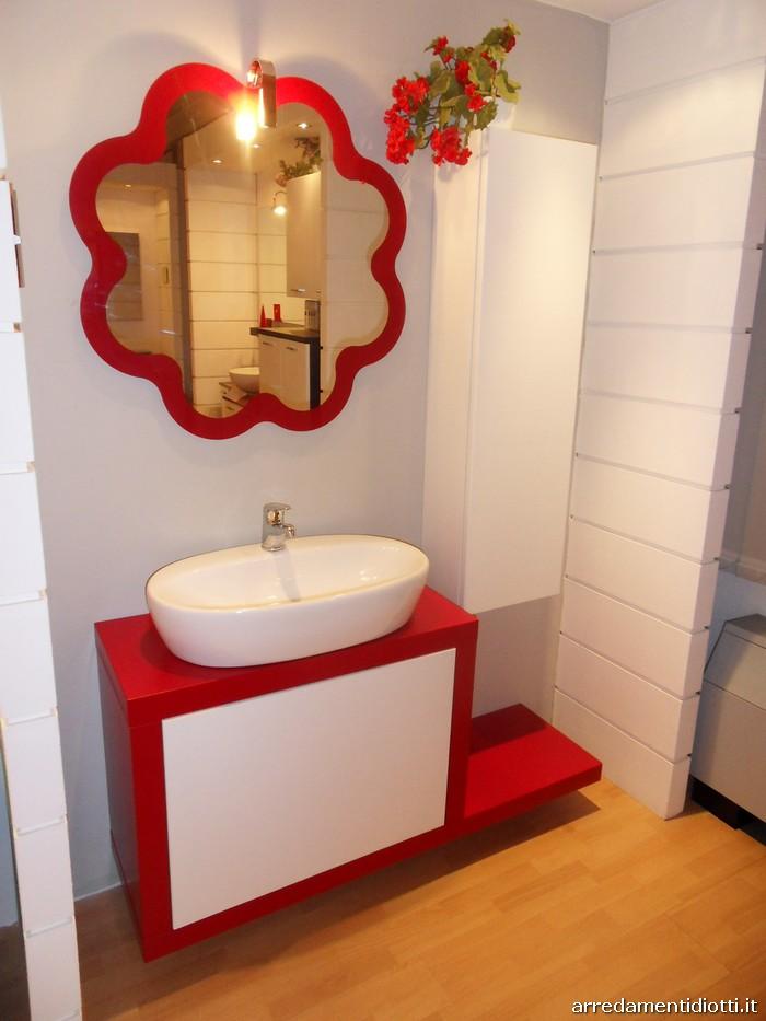 Bagno Moderno Rosso: Esempio bagno moderno rosso e nero.