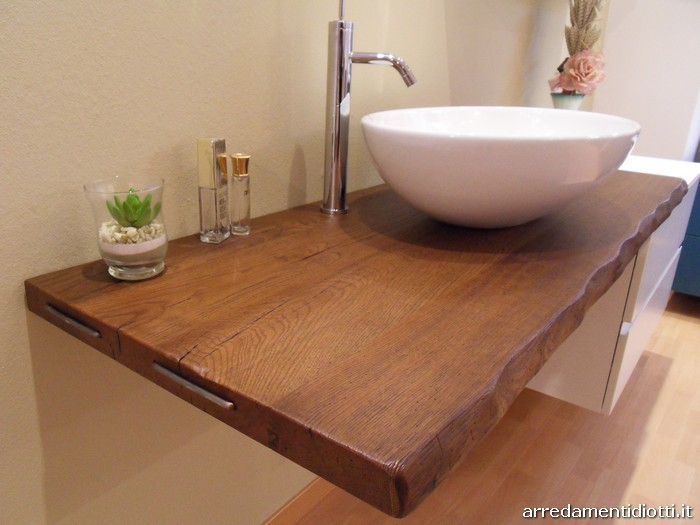 Arredo Bagno Con Piano In Legno Massello Pictures to pin on Pinterest