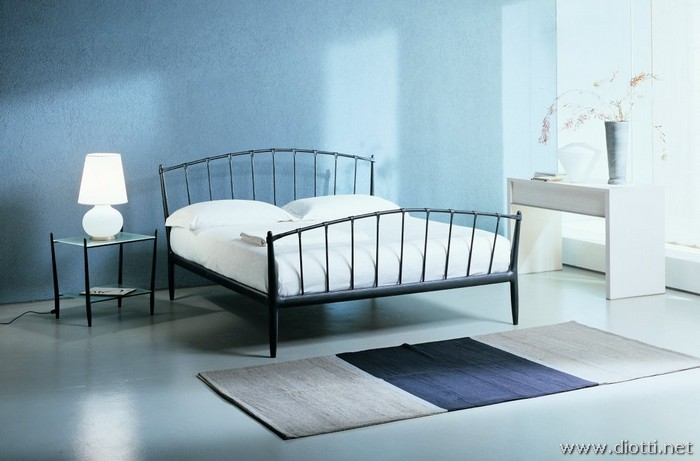 Teorema wrought iron bed aluminium details