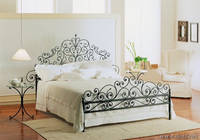 Vietri wrought forged iron bed