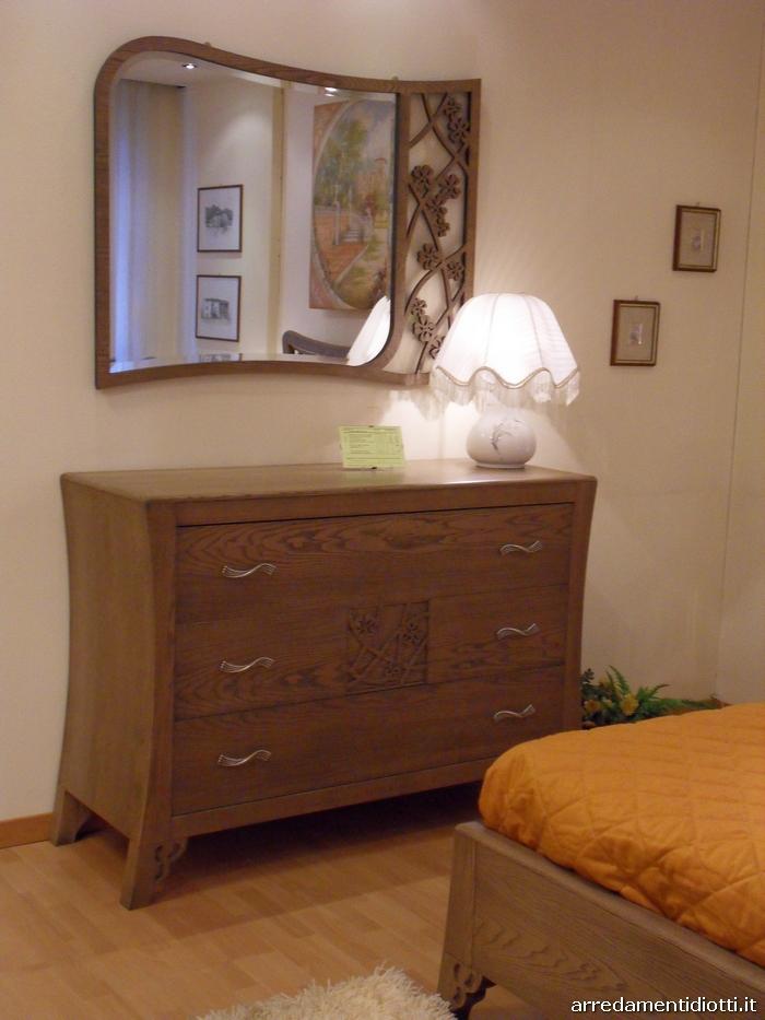 Camera classica d co in frassino con fiori intagliati diotti a f arredamenti - Camera da letto frassino ...
