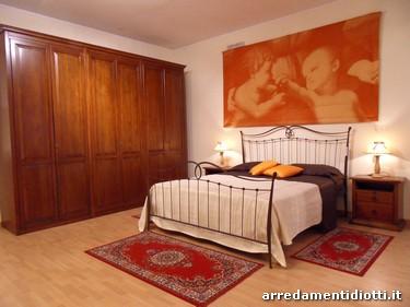 Camera classica in noce modello Florence - DIOTTI A&F Arredamenti
