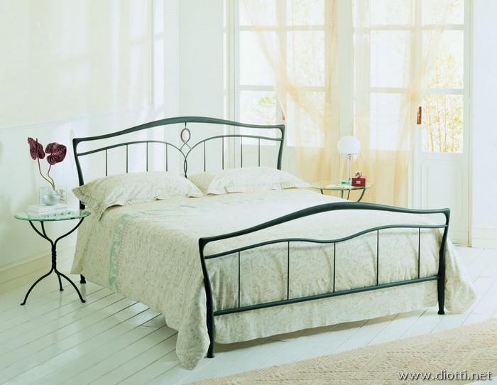 Cammeo letto ferro classico moderno