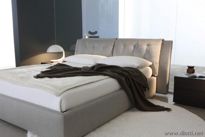 Letto morbidi cuscini testiera hopper idee per il design - Cuscini imbottiti per testiera letto ...