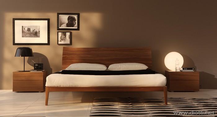 Letto matrimoniale in legno con cuscini - DIOTTI A&F Arredamenti