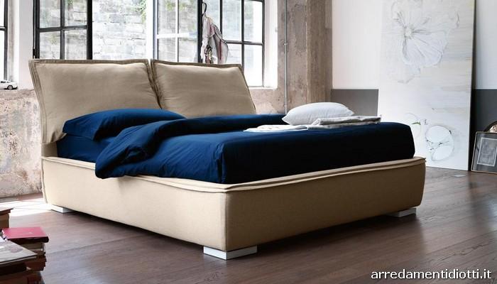 Sandy diotti a f arredamenti - Testata letto cuscini ...