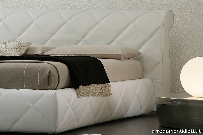 Glamour diagonal quilted bed - DIOTTI A&F Italian Furniture and ...
