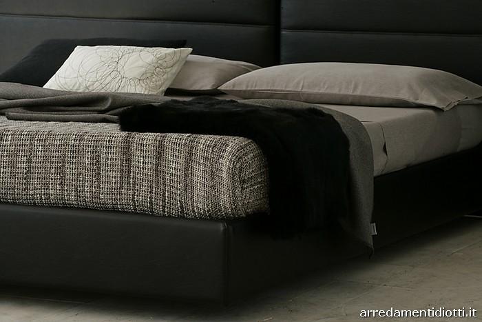 Tolomeo letto cuciture orizzontali diotti a f arredamenti - Camere da letto in pelle ...