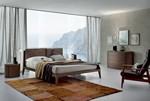 L'aspetto tradizionale del letto Dorian � reso attuale dalle finiture e dall'inserimento di due grandi cuscini in corrispondenza della testata del letto. Il letto � disponibile nelle seguenti misure: Francese: cm.160x217,8 h.90 (rete 140x190)  Matrimoniale: cm.180x228,3 h.90 (rete 160x200) Matr. extra:  cm.200x228,3 h.90 (rete 180x200) King size: cm.214,6x232,8 h.90 (rete 195x205)