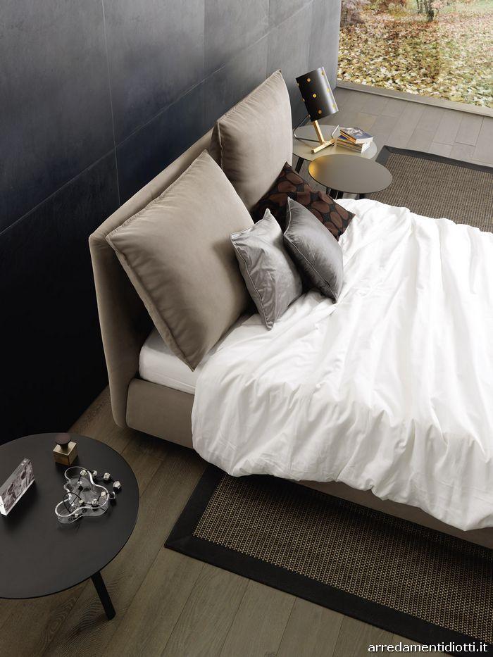 Letto Cherie con cuscino di testata reclinato per un maggiore relax