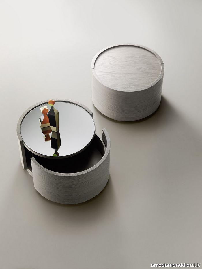Contenitore Cidori tondo in rovere cenere con piano superiore a specchio dark