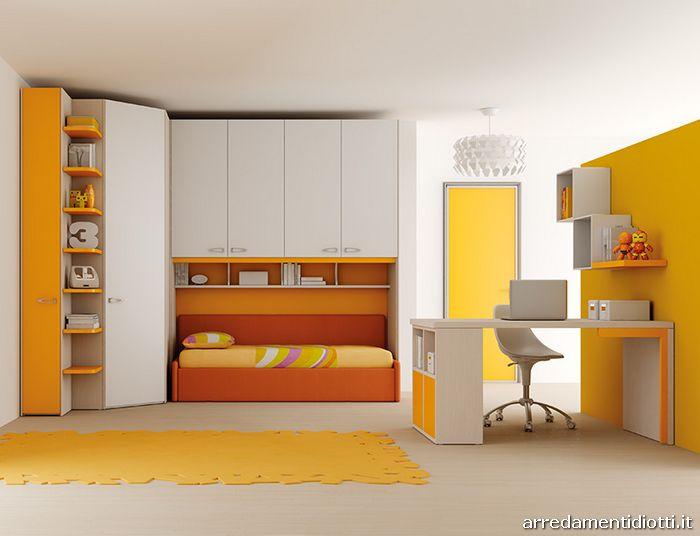 composizione con angolo spogliatoio e terminale libreria con vano contenitore cm.320 x 198,5