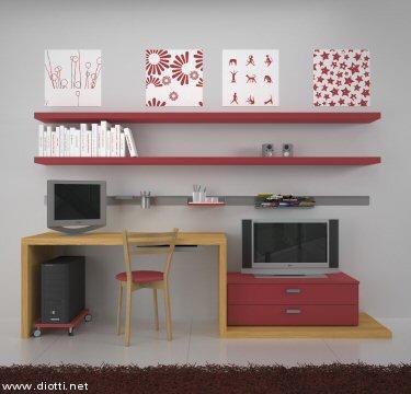 Elegante e pratica soluzione in rovere e laccato rosso che unisce la scrivania con vassoio estraibile per mouse e tastiera all'originale basamento cassettiera porta-TV.