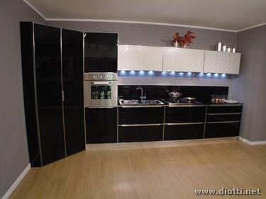 Cucina in vetro temperato system diotti a f arredamenti - Vetro temperato cucina ...