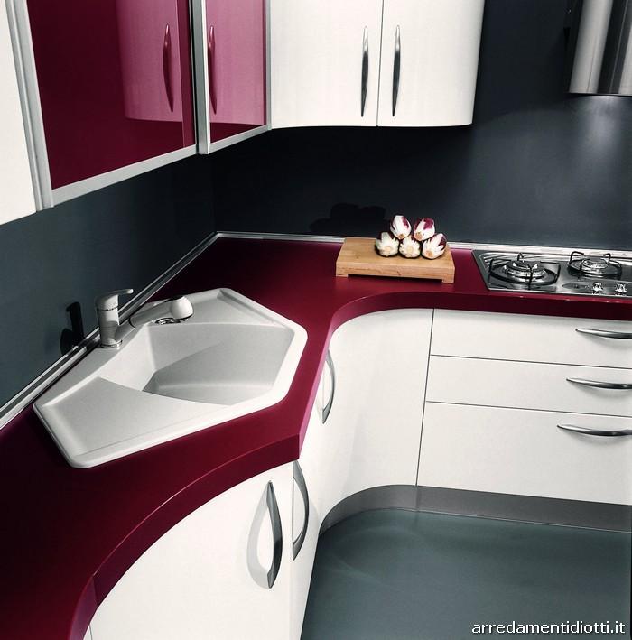 Cucine piccole angolari top cucina angolare con magniglia - Cucine moderne piccole ad angolo ...