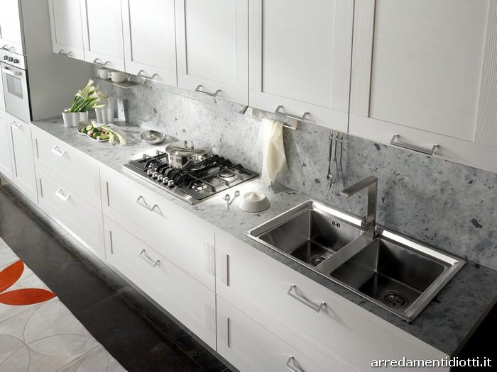 Cucina Donna in larice con anta telaio - DIOTTI A&F Arredamenti