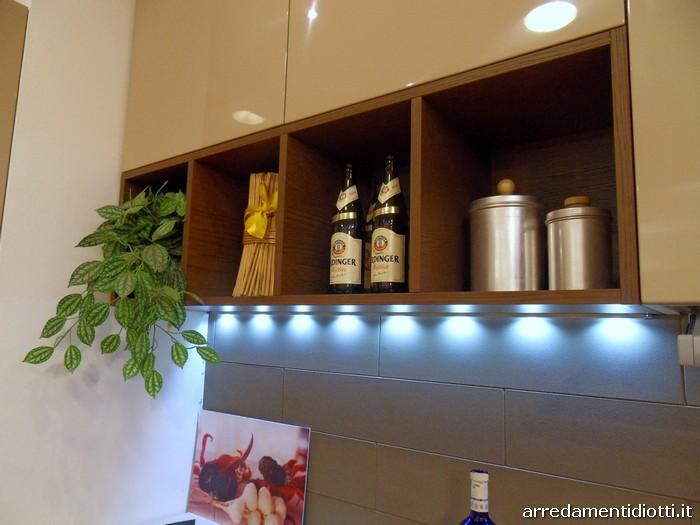 Cucina di design con pensili giorno logica link diotti a - Cucine a giorno ...