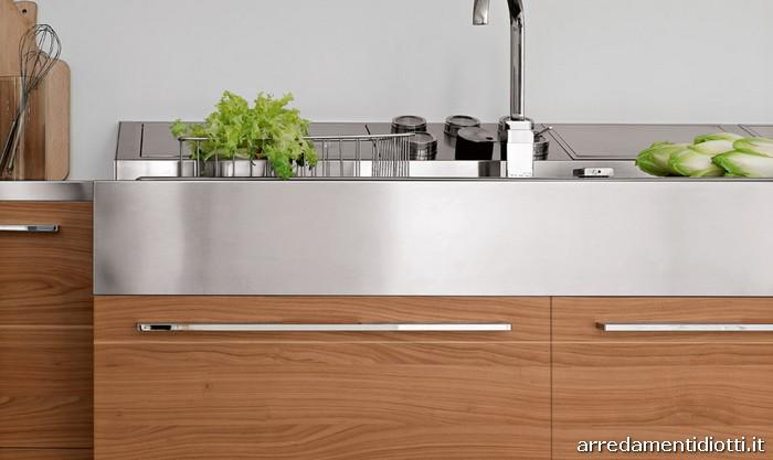 Cucina moderna in polimerico replay diotti a f arredamenti for Cucine in ciliegio moderne
