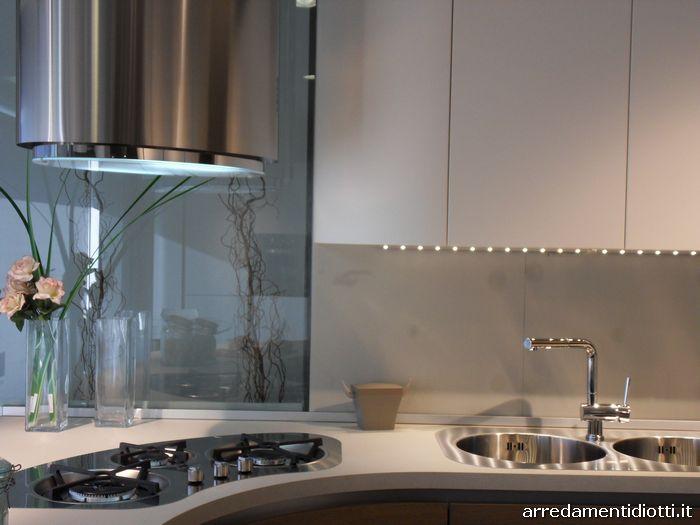 Cucina curva con gola Geosfera - DIOTTI A&F Arredamenti
