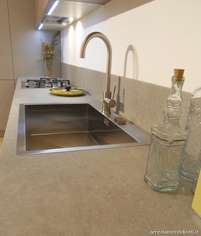Cucina Curva Laccata Arredamento E Casalinghi In Vendita A Cuneo ...