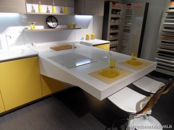 Cucina board con piano di lavoro a sbalzo diotti a f for Piano di abbozzo domestico