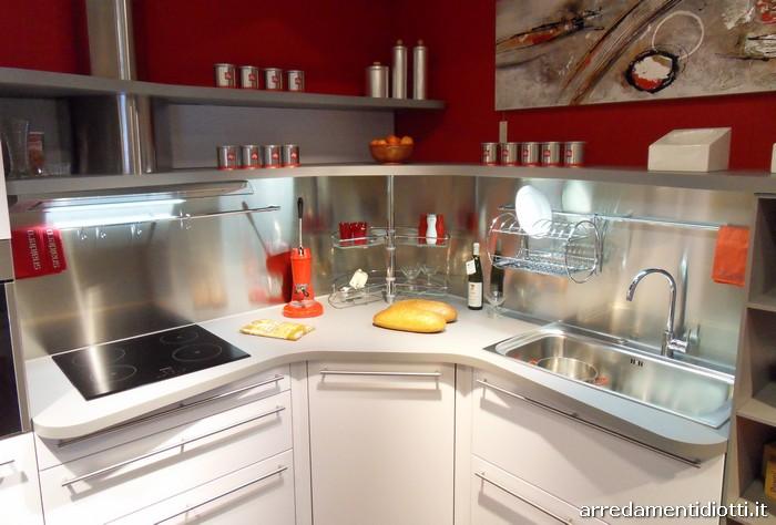Cucina skyline ergonomica con piani sagomati diotti a&f arredamenti