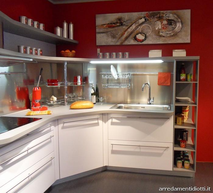 Cucina snaidero in prezzo affare con piani sagomati e - Outlet cucine snaidero ...