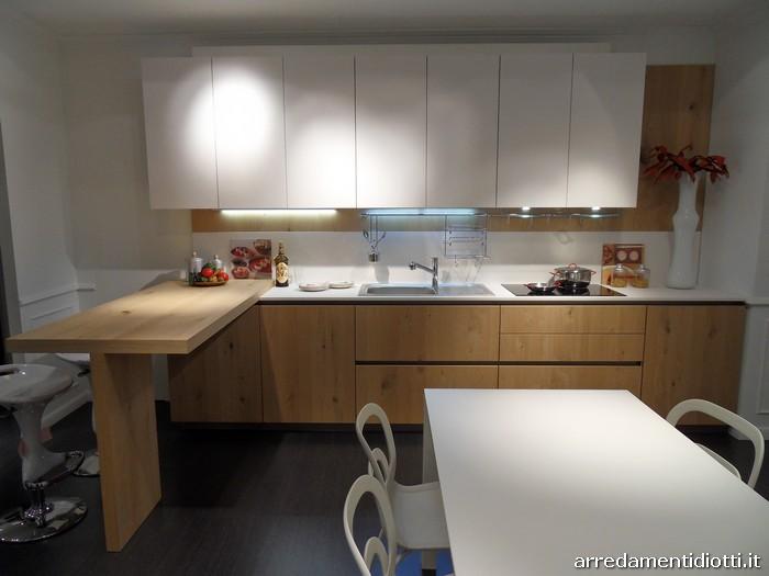 Cucina A22 con anta in fenix e impiallacciato - DIOTTI A&F Arredamenti