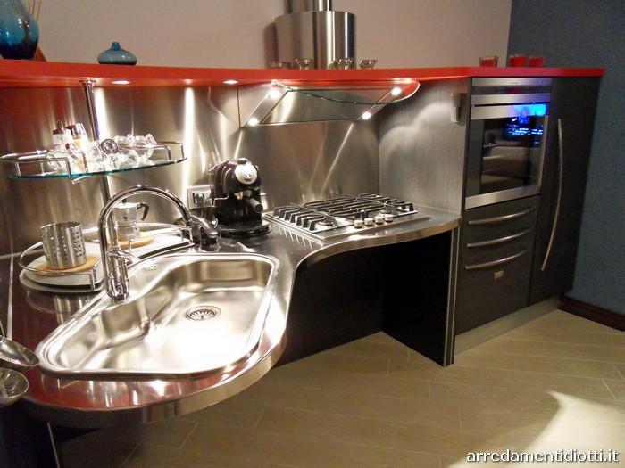 Cucina Skylab per disabili realizzata per un cliente di Como ...