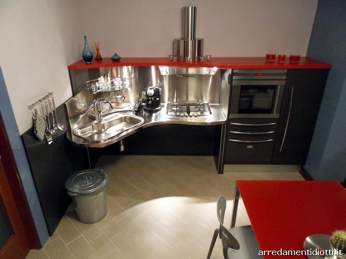 Cucina Skylab per disabili realizzata per un cliente di Como - DIOTTI ...