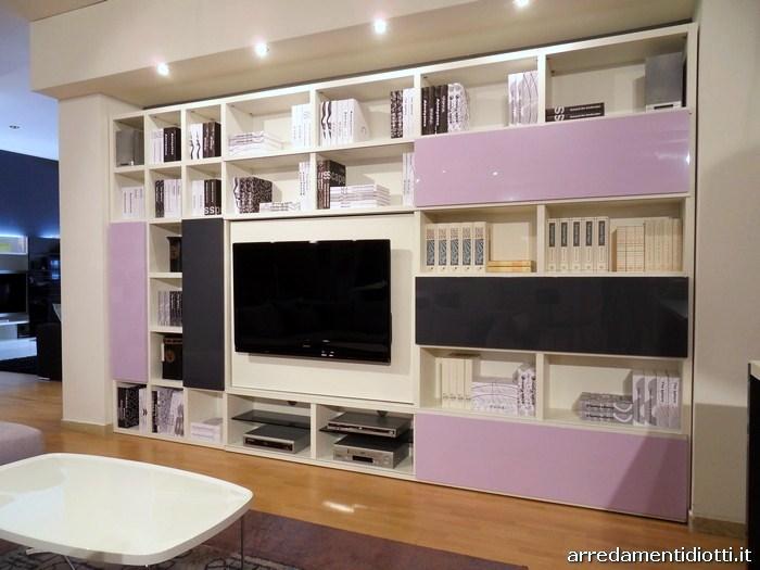 Cucina Domus e soggiorno My Space insieme in uno spazio coordinato - DIOTTI A...
