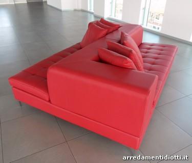 Divano rosso pelle idee per il design della casa - Divano in pelle rosso ...