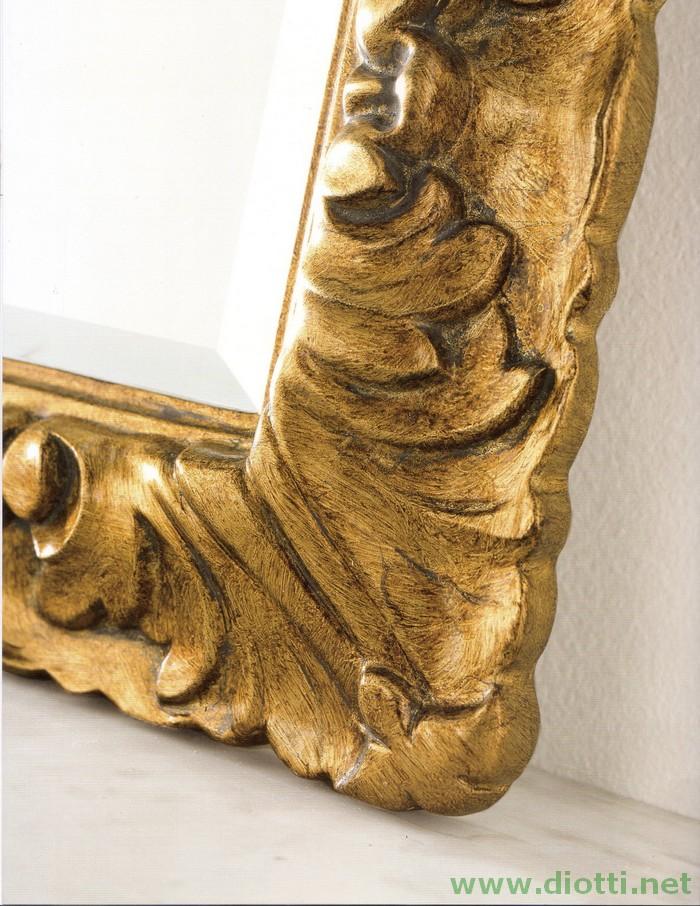 Particolare della decorazione foglia oro della specchiera 6156
