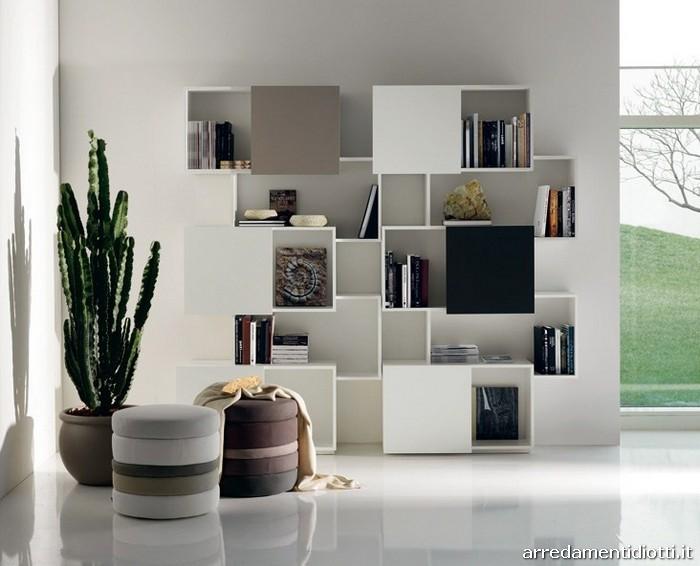 Libreria con tre ante scorrevoli posizionabili a piacere - Librerie da camera ...