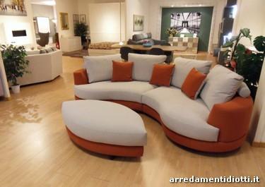 Divano Curvo Prezzo : Seymour divano di minotti divani e poltrone arredamento