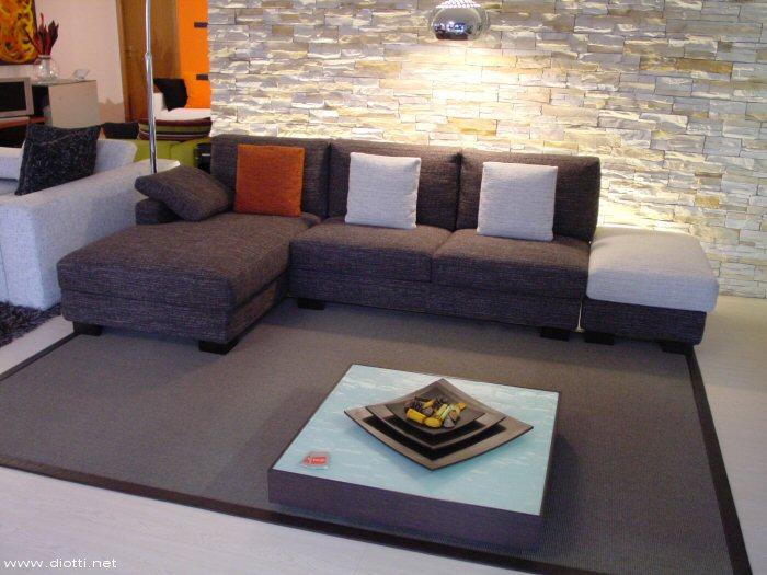 Divano Bianco E Marrone ~ Idee per il design della casa