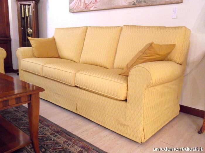 Divano vienna classico diotti a f arredamenti for Binacci arredamenti divani