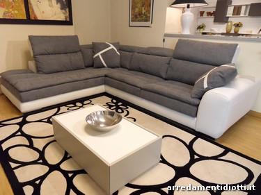 Divani in microfibra o pelle parete attrezzata moderna - Gatto divano microfibra ...