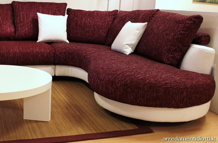 Divano angolare curvo idee per il design della casa - Divani colorati componibili ...