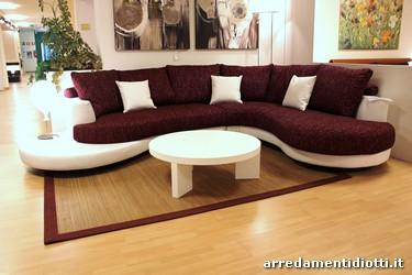 Divano componibile curvo idee per il design della casa for Divani e divani costi