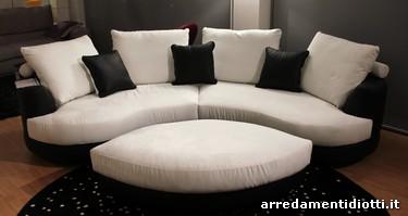 Divano design outlet divano posti scontato with divano for Arredissima prezzi divani