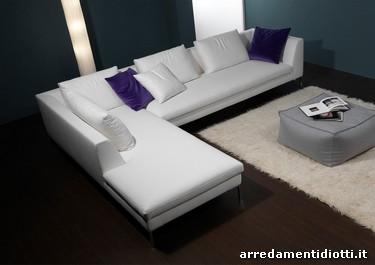 Divano sidney moderno chaise longue diotti a f arredamenti for Arredamenti bellissimi
