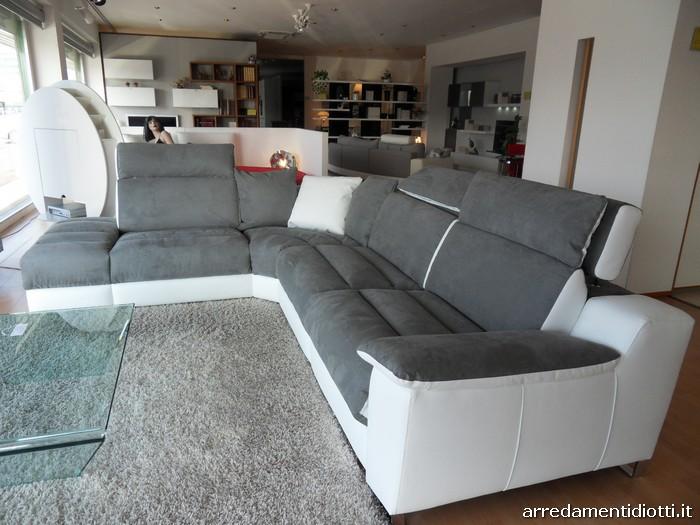 Divano m sofa componibile riproduttore musicale diotti a f arredamenti - Crea il tuo divano ...