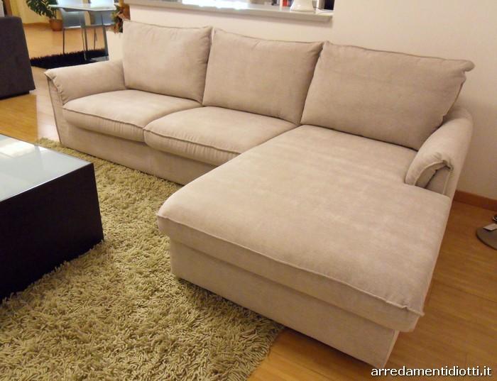 Divano letto subito for Penisola divano