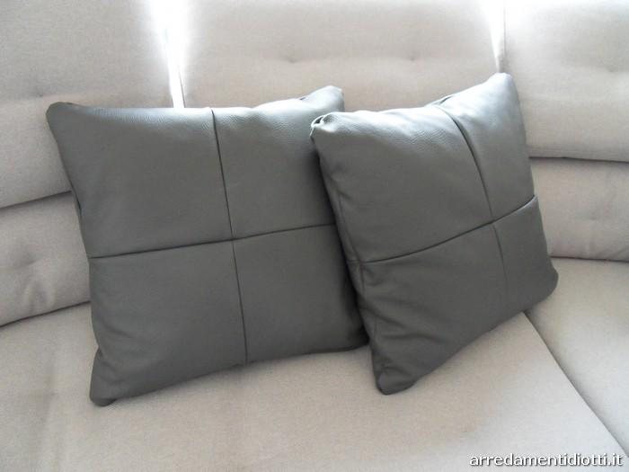 Cuscini divano moderni dalani cuscini arredo accessori - Cuscini moderni divano ...